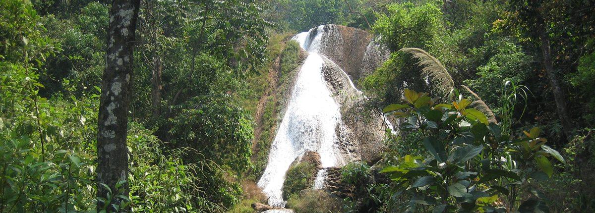 Anishakan Wasserfall