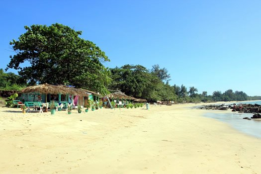 Singapur und Baden in Myanmar Ngapali